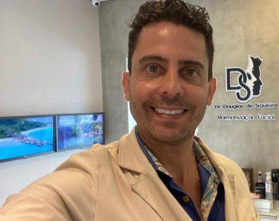 Dr. Douglas de Siqueira o cirurgião dentista
