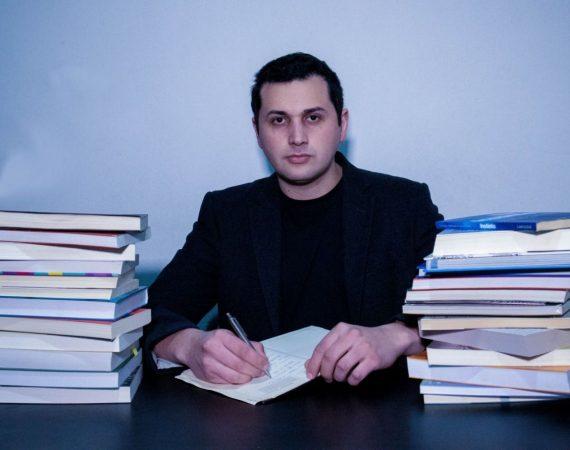 professor Rodrigo Prado